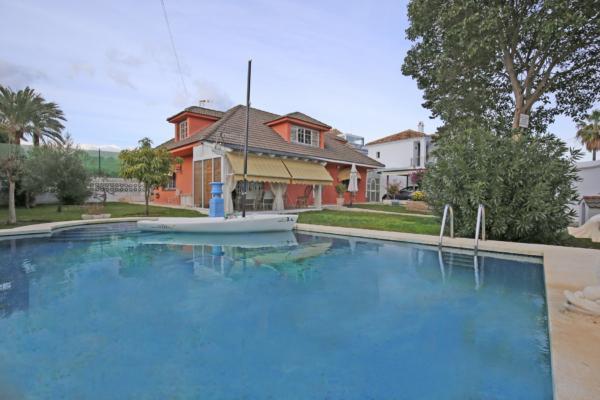 Ville a vendre à Linda Vista Playa, San Pedro Alcantara, 3 Chambres, 2 Salles de bains à Linda Vista Playa, San Pedro Alcantara